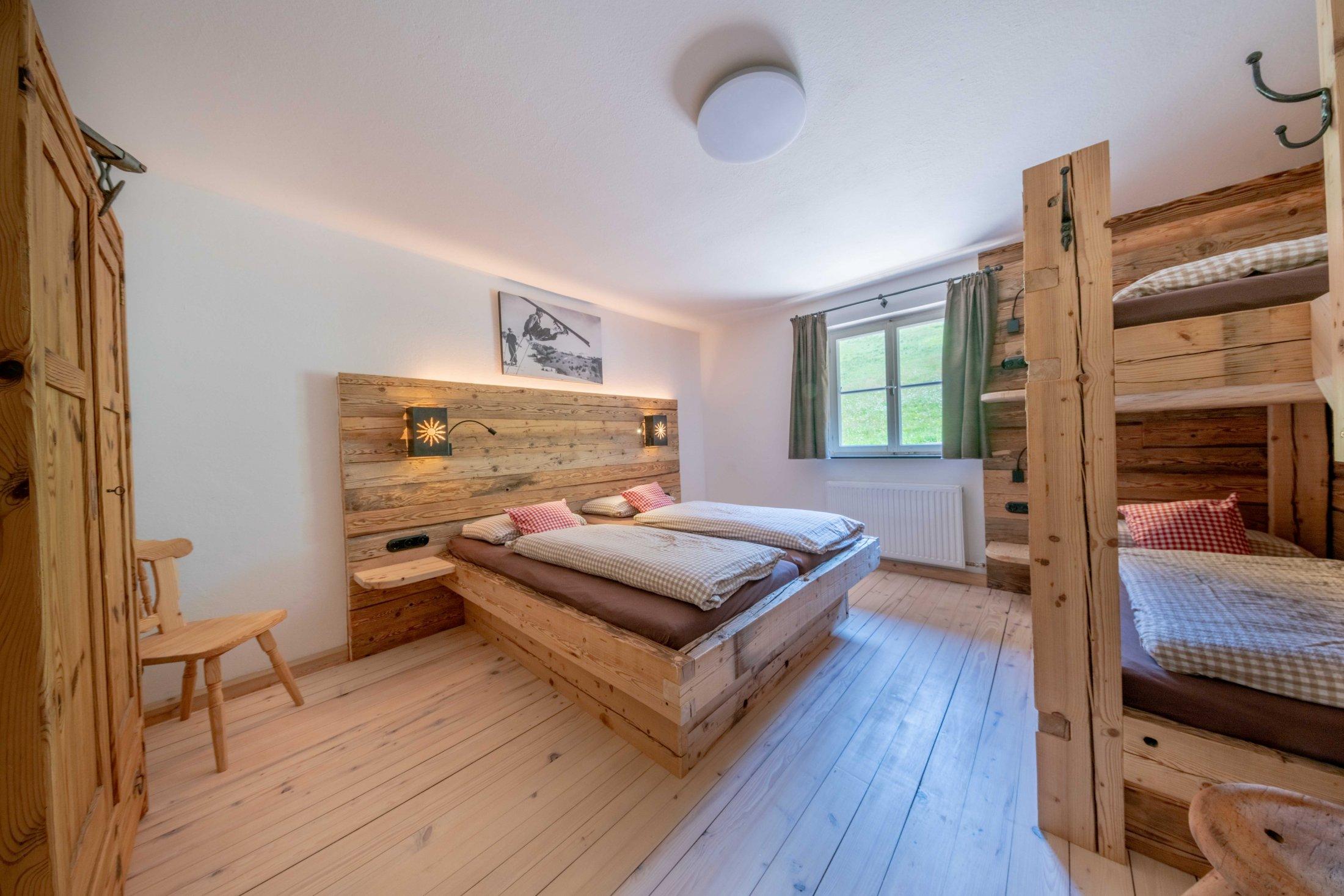 Schlafzimmer im Ergeschoss